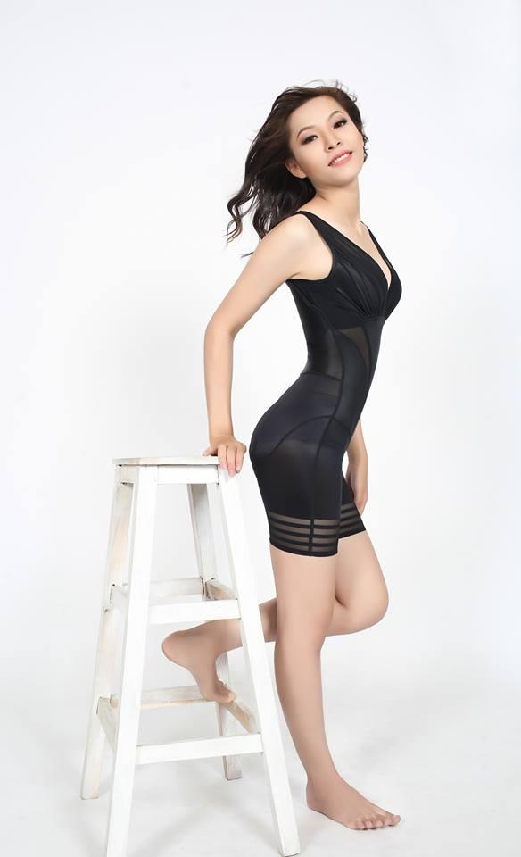 Người mẫu mặc đồ gen định hình