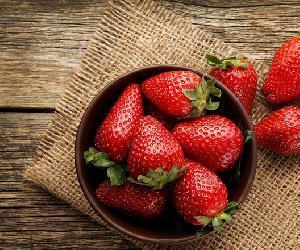Những loại detox giảm cân với dâu tây