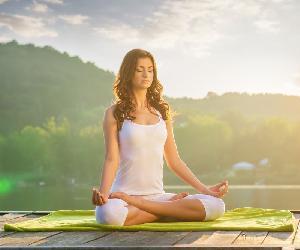 Những bài tập yoga tại nhà giúp bạn có một vóc dáng thon gọn